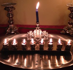 oil burning chanukkiah