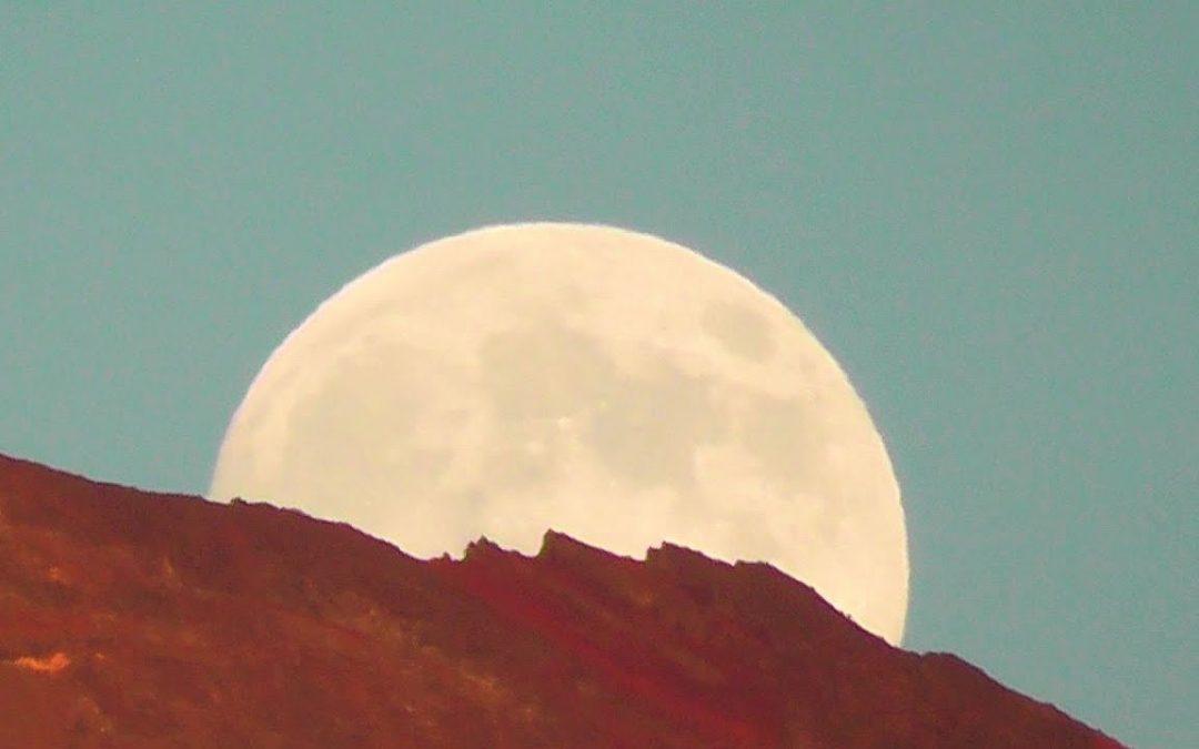 Moonrise in Oregon
